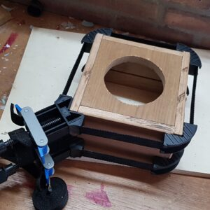Clamping the box with front